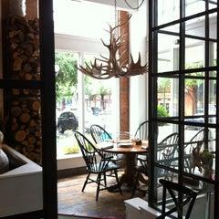 Photo taken at Eno's Pizza Tavern by Chris L. on 5/25/2013