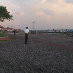 Photo taken at Esplanad Sidek by Mazlan M on 2/14/2013