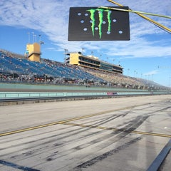 Photo taken at Homestead-Miami Speedway by Karen P. R. on 11/17/2012