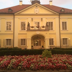 Das Foto wurde bei Szidónia Kastélyszálloda von Jesper K. am 9/23/2015 aufgenommen