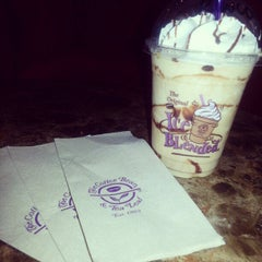 Photo taken at The Coffee Bean & Tea Leaf by Jhe R. on 1/10/2013