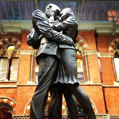 Photo taken at London St Pancras Eurostar Terminal by Jeffrey W. on 1/7/2013