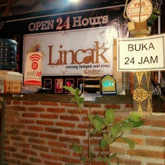 "Photo taken at Lincak ""Warung Hotspot Bukan Cafe"" by D'Angkringan p. on 1/6/2014"