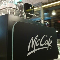 Photo taken at McDonald's / McCafé by Suhaimi M. on 5/22/2013