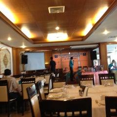 Photo taken at The Ligor City Hotel (โรงแรมเมืองลิกอร์) by Auan W. on 4/19/2014