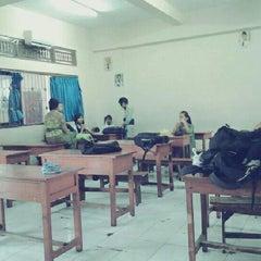 Photo taken at VIII Bilingual SMP (SLUB) Saraswati 1 Denpasar by Dwi I. on 7/22/2013