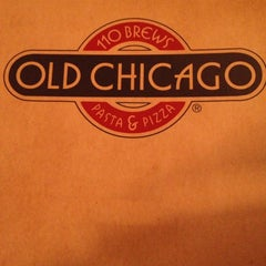 Photo taken at Old Chicago by Sarah R. on 12/28/2012