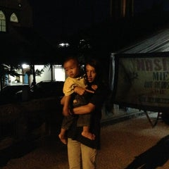Photo taken at Masjid At-Taufiq Paledang by Rini P. on 3/29/2013