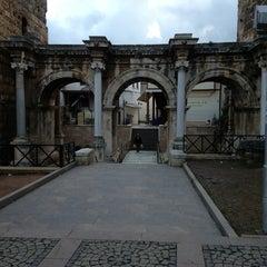 Photo taken at Üçkapılar (Hadrian Kapısı) by Şenol on 2/10/2013
