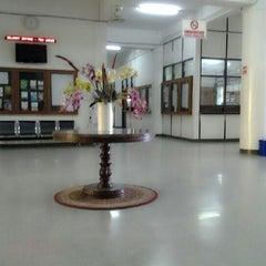 Photo taken at Hall Lantai 1 FKH UNAIR by Sabrina M. on 12/22/2012