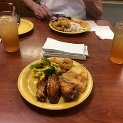 Photo taken at Golden Corral by C. Oliver P. on 6/11/2014