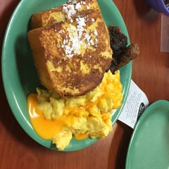 Photo taken at Golden Corral by C. Oliver P. on 6/5/2015