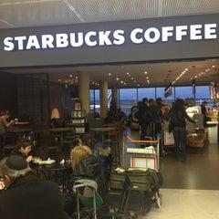 Photo taken at Starbucks by Arnaud G. on 12/25/2012