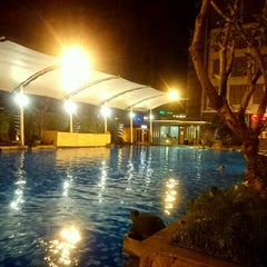 Photo taken at Siliwangi Swimming Pool by Chie S. on 4/7/2015
