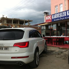 Photo taken at koç kardeşler kendin pisir kendin ye by İhsan Tahsin T. on 8/19/2013