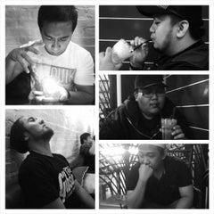 Photo taken at Coffe Zone (Gadong) by Rabbani R. on 3/9/2013
