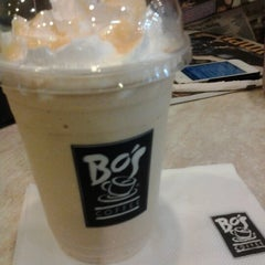 Photo taken at Bo's Coffee by Refinnej J. on 12/28/2012