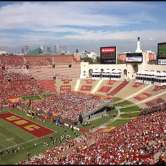 Photo taken at Los Angeles Memorial Coliseum by Arash M. on 9/22/2012