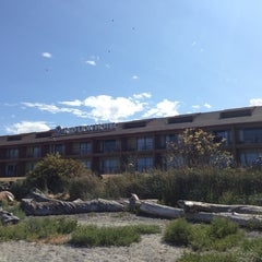 Photo taken at Red Lion Hotel Port Angeles by Nika A. on 8/16/2013