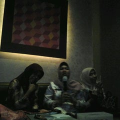 Photo taken at NAV Family Karaoke by Liece l. on 9/21/2012