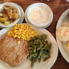 Photo taken at Cracker Barrel Old Country Store by Jeff B. on 8/15/2013