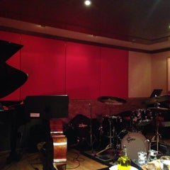 Photo taken at The Jazz Room at The Kitano by Armando A. on 4/26/2014