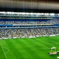Photo taken at Fenerbahçe Şükrü Saracoğlu Stadyumu by Poyraz T. on 5/12/2013