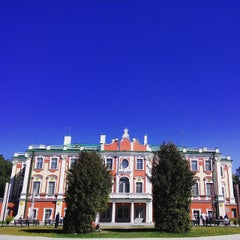 Photo taken at Kadrioru Loss | Kadriorg Palace by Антон П. on 6/8/2015