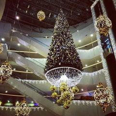 Photo taken at ТРЦ «Галерея» / Galeria Shopping Mall by Artem G. on 12/23/2012