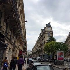 Photo taken at New Hôtel Opéra by Nikolay A. on 9/21/2014
