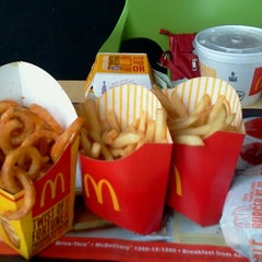 Photo taken at McDonald's by Niena B. on 1/12/2013