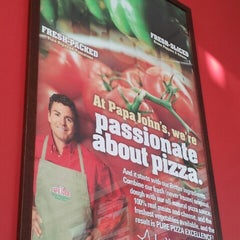 Photo taken at Papa John's Pizza by Nelson R. on 12/14/2012