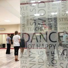 Photo taken at Seans Dance by Deniz🎀 on 9/5/2013