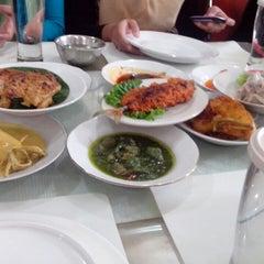 Photo taken at Sari Indah Restoran by Fidhialini M. on 6/28/2013