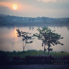 Photo taken at Chiang Khong Teak Garden by Sukrit K. on 5/3/2015