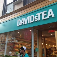 Photo taken at DAVIDsTEA by Lu .. on 4/5/2013