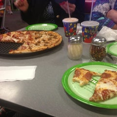 Photo taken at Chuck E. Cheese's by Cristian C. on 2/4/2013