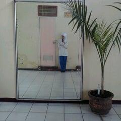 Photo taken at Institut Ilmu Kesehatan - IIK Bhakti Wiyata Kediri by Mala U. on 5/2/2013
