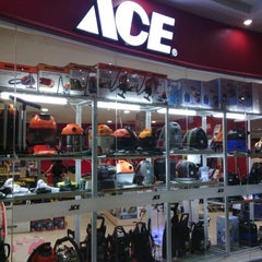 Photo taken at ACE Hardware by Dewa I. on 1/24/2013