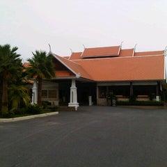 Photo taken at Thai Garden Resort (ไทยการ์เด้น รีสอร์ท) by Sarawut P. on 4/12/2013