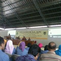 Photo taken at STKIP Siliwangi Bandung by Annisa Fitriany R. on 8/25/2013