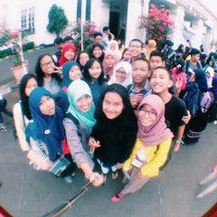 Photo taken at Fakultas Kedokteran Universitas Indonesia by Aisha P. on 10/23/2014