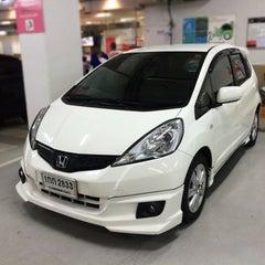 Photo taken at Wong Honda Cars (วอง ฮอนด้าคาร์ส์) by Mou¥ L€K . on 4/10/2015