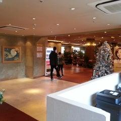 Photo taken at Hotel Skypark Myeongdong I by Phanusit P. on 11/25/2012