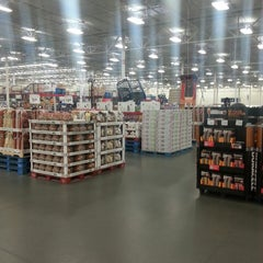 Photo taken at Sam's Club by Joseph D. on 12/11/2013