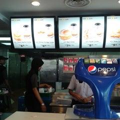 Photo taken at KFC by Raksasa A. on 5/2/2014