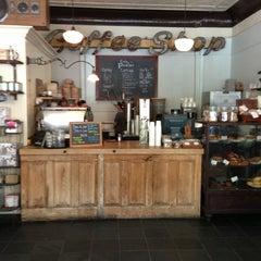 Photo taken at Cafe Pedlar by Jonathan O. on 7/7/2013