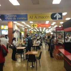 Photo taken at Centro Comercial Éxito 51B by Aland B. on 1/4/2013