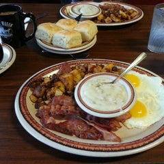 Photo taken at Chuck Wagon Restaurant by María M. on 1/1/2013