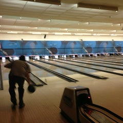 Photo taken at Highland Lanes by Stefan L. on 1/27/2013